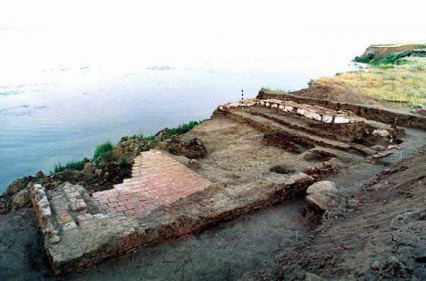 Раскопки ордынской мечети в районе водянского городища